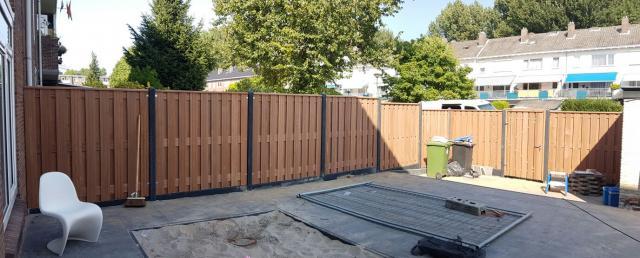 Hout-beton Hardhout Dronten 180x180 incl. plaatsen