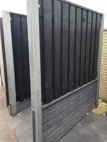 Hout-beton zwart gespoten Stuttgart 130x180 rotsmotief betonsysteem incl. plaatsen
