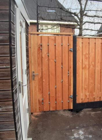 Tuindeur Privacy Larikshout 120x195cm Incl. plaatsen 11.1385