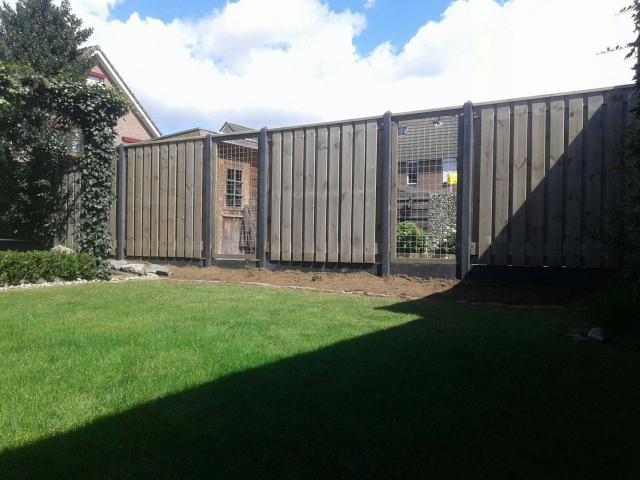 Hout-beton Grenen Brussel zilvergrijs 180x180 incl. plaatsen