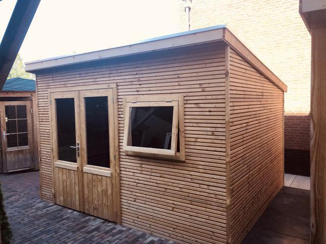 Maatwerk Red Class Wood Lessenaarsdak